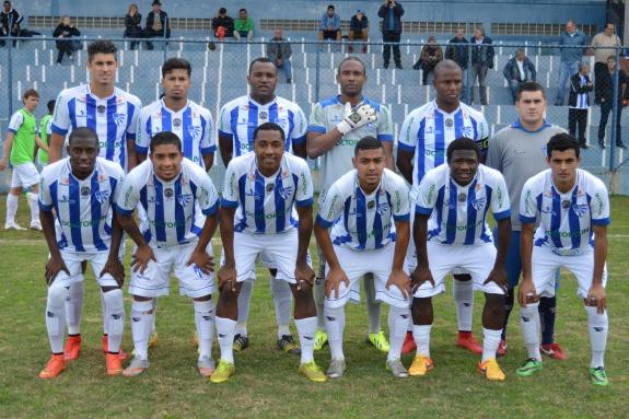 O Cruzeiro entrou em campo com Anísio; Nenê, André Ribeiro, Carlão e Makelelê; Otávio, Reymond, João e Vini; Abu e Raul. (Foto: Lucas Gabriel Cardoso)