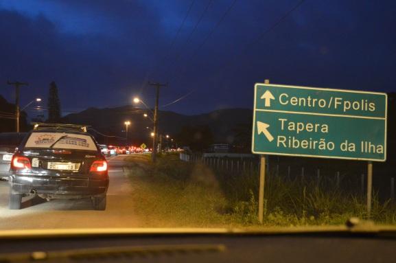 Na volta, demoramos quase uma hora e meia para chegar na UFSC. Em condições normais, demoraríamos 20 minutos. (Foto: Lucas Gabriel Cardoso)