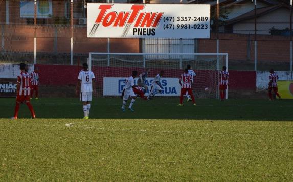 Primeiro gol do BEC na segundona, registrado pelas lentes d'O Cancheiro. (Foto: Lucas Gabriel Cardoso)