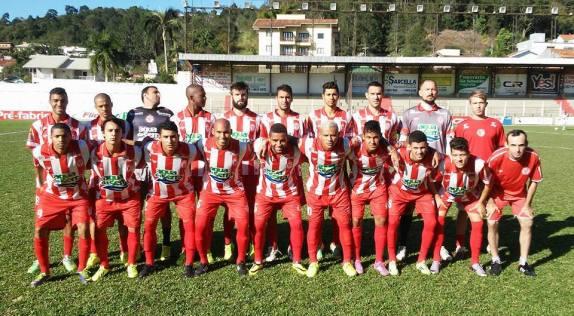 O time do sul entrou em campo com Eduardo Castro; Felix, Maicon Baggio, Vinícius Baggio e Daniel; Ederson, Lucas Paraíba, Ghutere e Kauhan; Da Silva e Dener.