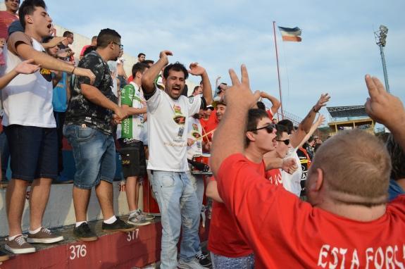 Torcida fez a festa com o gol do estreante que eles tanto pediam. (Foto: Lucas Gabriel Cardoso)