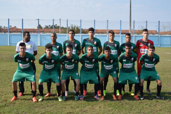 EC Novo Horizonte de Esteio: Dentinho; Formiga, Teti, Vitinho e Alisson; Yuri, Orrico, Eric e Luizinho; Walker e Idivaldo.