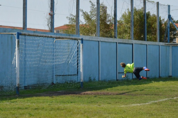 O goleiro Rafael Diehl foi um dos responsáveis pelo placar não ter saído do zero no primeiro tempo. (Foto: Lucas Gabriel Cardoso)