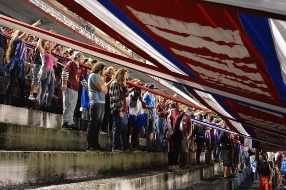 Torcida do Caxias fez uma baita festa dentro do estádio. (Foto: Lucas Gabriel Cardoso)