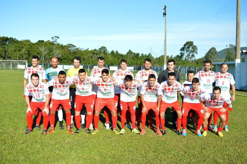VT Canto entrou em campo com Jailson; Thiago, Secco, Fabinho e Lon; Fralda, Tchê, Marquinho e Lipe; Jonas e Tita. (Foto: Lucas Gabriel Cardoso)