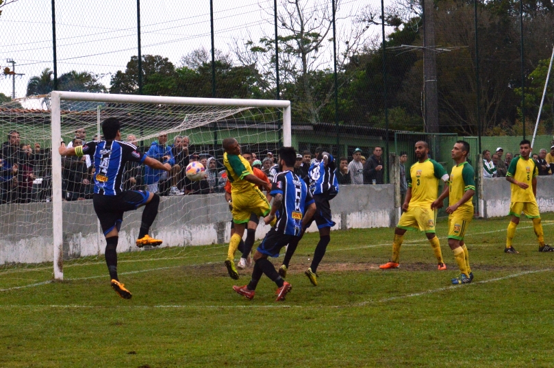 No segundo tempo só deu Grêmio. (Foto: Lucas Gabriel Cardoso)
