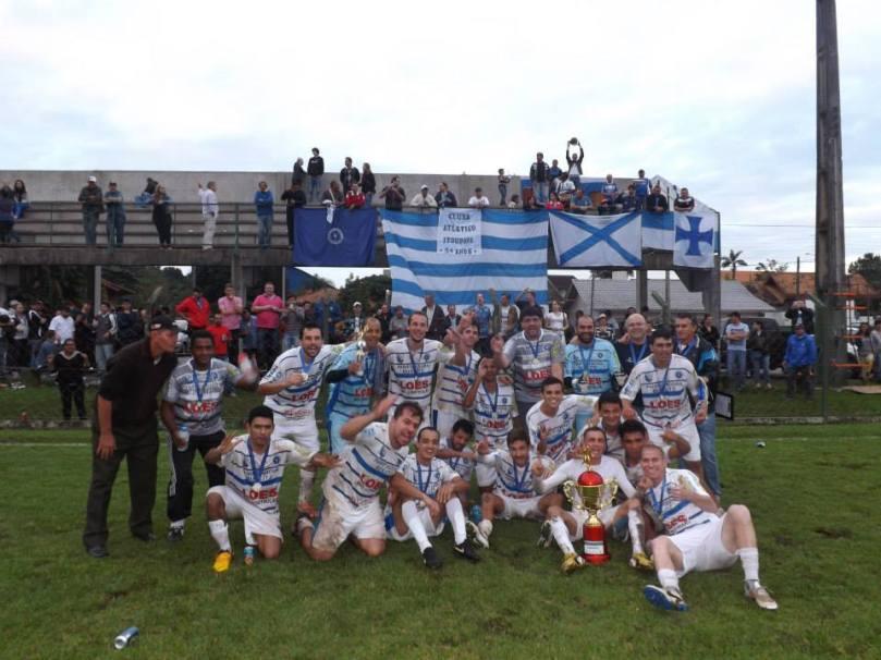 Elenco campeão da Interligas do Vale do Itajaí. (Foto: Facebook/Clube Atlético Itoupava)