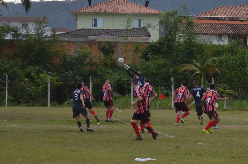 Goleirão Beto, do Noroeste, já foi até bola cheia do Fantástico. (Foto: Lucas Gabriel Cardoso)