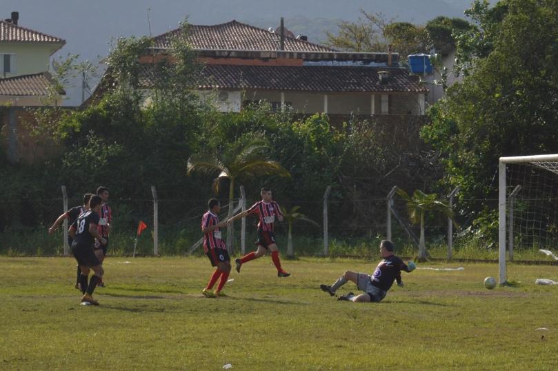 Nathan acreditou na jogada e tocou para Nandica só completar pro gol. (Foto: Lucas Gabriel Cardoso)