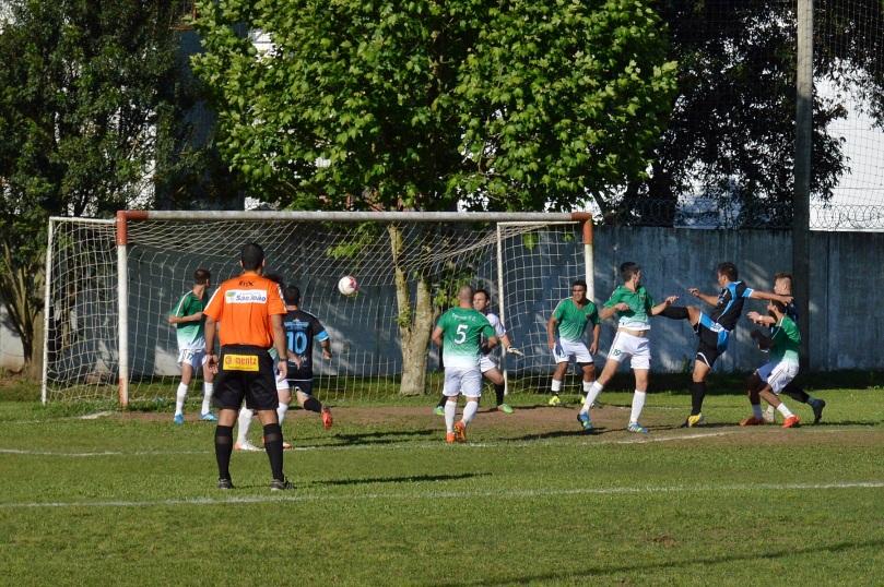 Tal como o primeiro gol, o segundo saiu de um escanteio muito bem cobrado por Wagner. (Foto: Lucas Gabriel Cardoso)