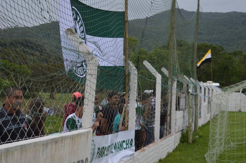 Time do Campo D'Una tem até torcida organizada. (Foto: Lucas Gabriel Cardoso)