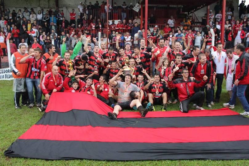 Time campeão da Fase Oeste do Estadual. (Foto: Jornal Folha do Oeste)