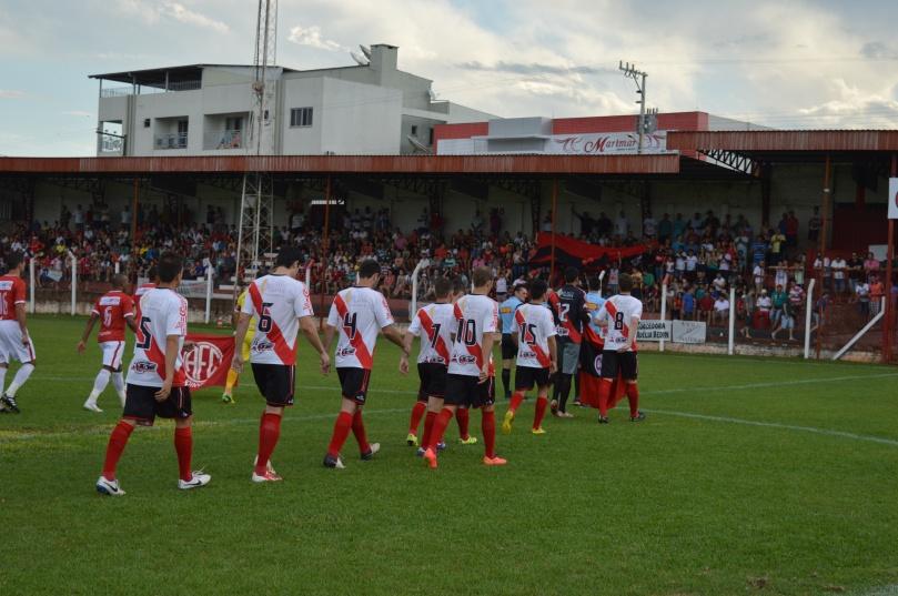 Estádio lotado para ver o Guarani jogar. (Foto: Lucas Gabriel Cardoso)