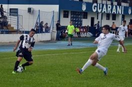 Com poucas emoções, o primeiro tempo contou com um certo domínio do time do Planalto Norte. (Foto: Lucas Gabriel Cardoso)