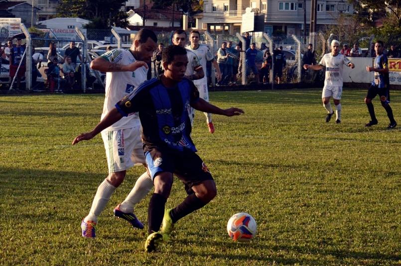 Grêmio Cachoeira x Fundos12