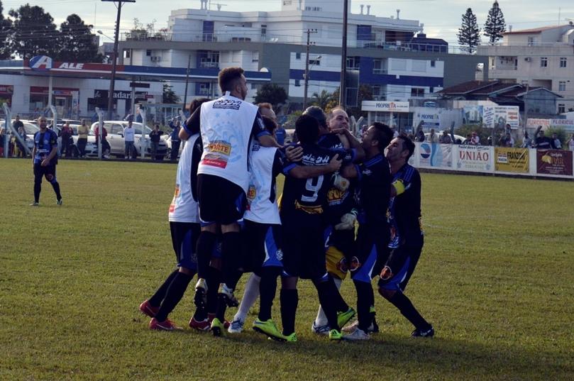 Grêmio Cachoeira x Fundos17