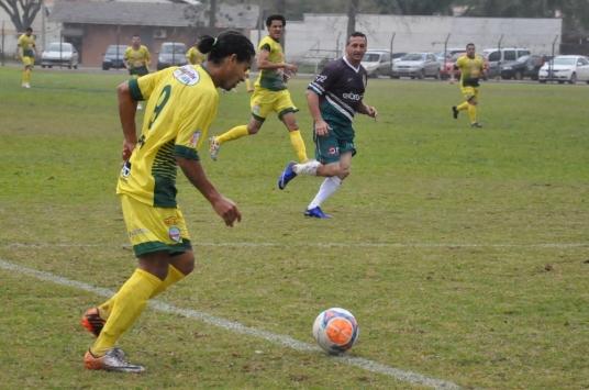 Foguinho ganhou na velocidade... (Foto: Lucas Gabriel Cardoso)