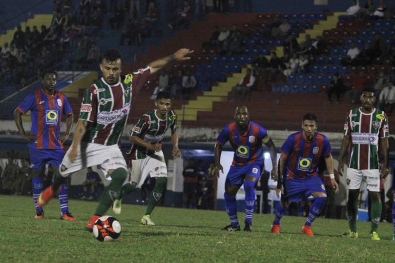 Marcilio Dias x Fluminense47