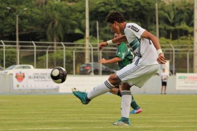 Faltou para o Coxa, porém, aquele capricho para concretizar as diversas chances criadas em gol. (Foto: Lucas Gabriel Cardoso)