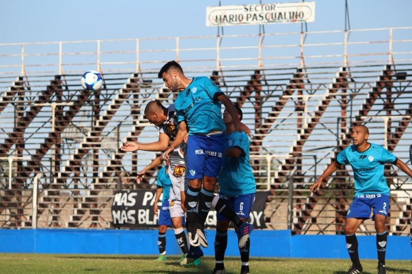 El Porvenir x Argentino004