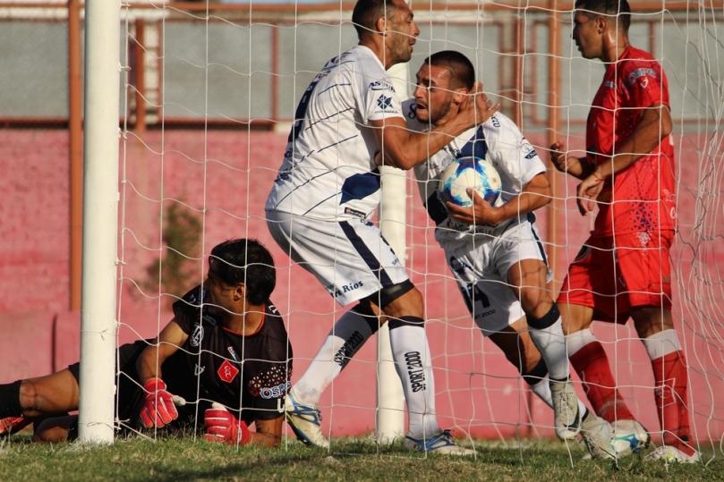 Defensores de Cambaceres x Deportivo Merlo05