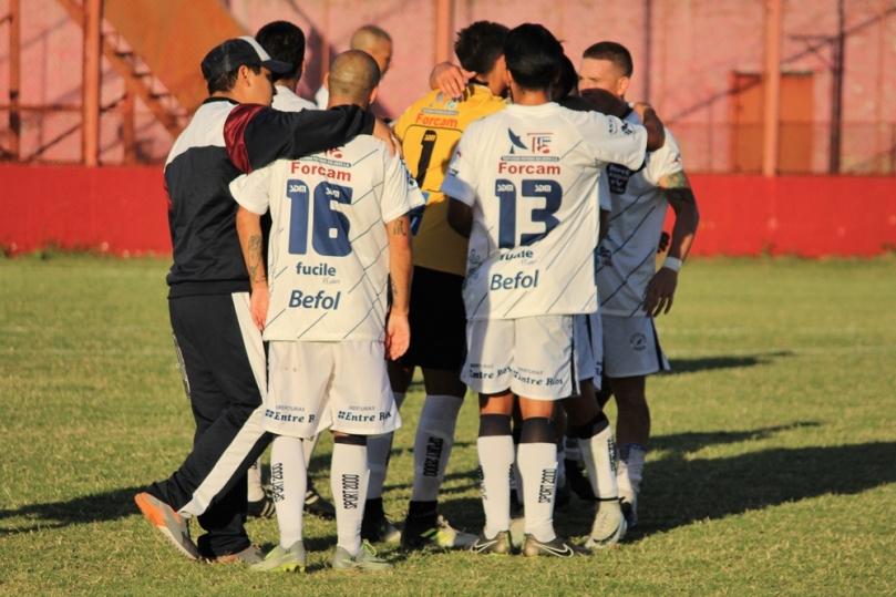 Defensores de Cambaceres x Deportivo Merlo07